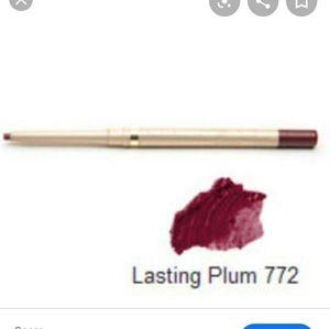 Lasting plum lip liner